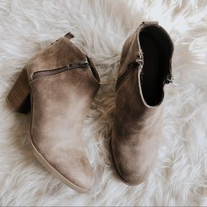 Report Carlia Brown Faux Leather Ankle Boots